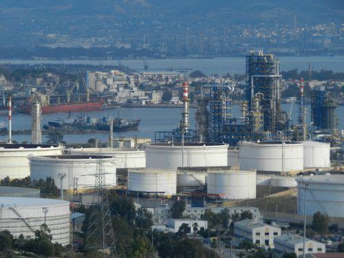 Σοβαρό πρόβλημα σε αντιδραστήρα της μονάδας 32 του διυλιστήριου. Κόλαφος για τα ΕΛΠΕ η έκθεση του ΚΕΠΕΚ!